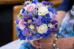 Brautstrauß in violett-blau-weiß (1)_